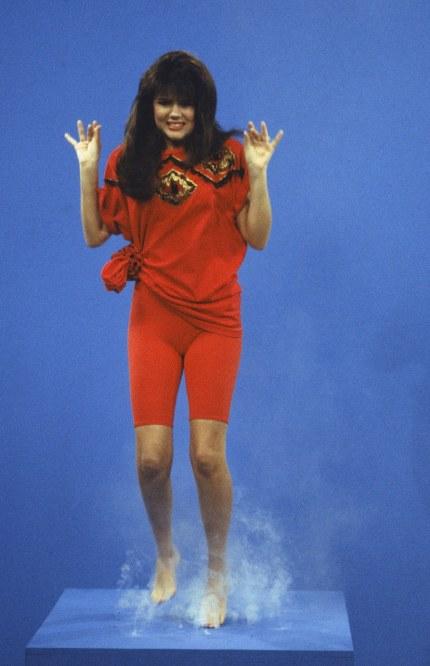 kelly-kapowski-bike-shorts-1991-saved-by-the-bell-2