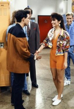 kelly-kapowski-bike-shorts-1991-saved-by-the-bell